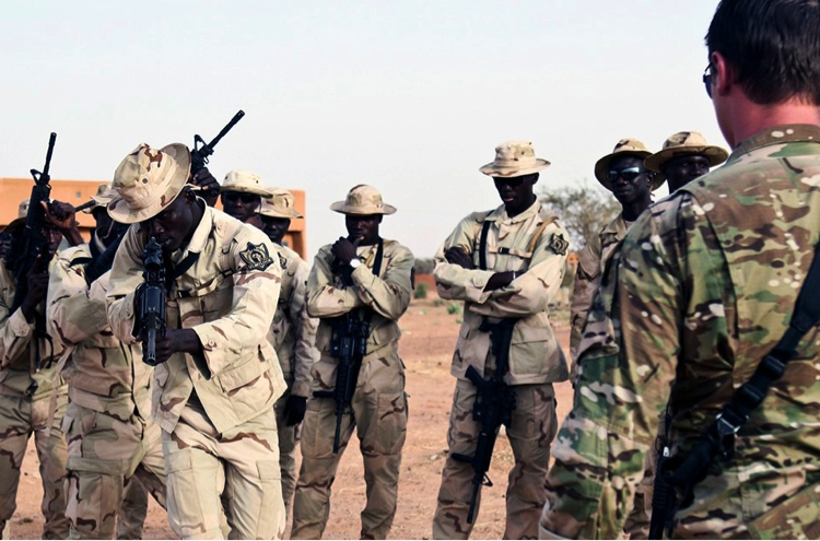 Vers une réduction de la présence militaire américaine en Afrique ?