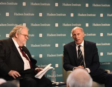 Tensions entre Donald Trump et la communauté du renseignement américaine sur l'évaluation des menaces