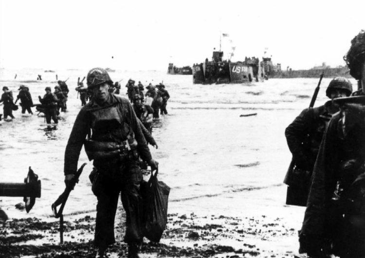 Commémorations du débarquement : entre mémoire et histoire – par le professeur Tristan Lecoq