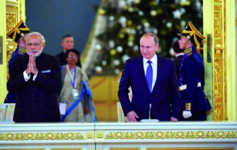 Russie – Inde : visite du Ministre de la défense indien en Russie, une relance de la coopération militaro-industrielle entre les deux États