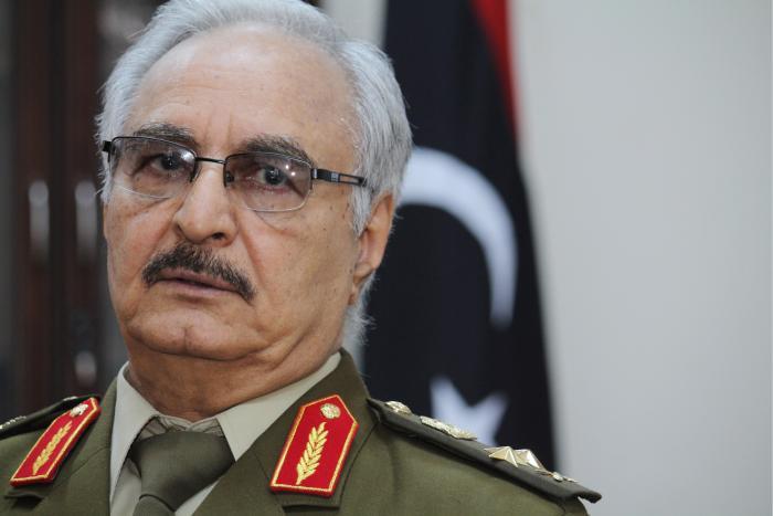 Libye : le maréchal Haftar hospitalisé à Paris