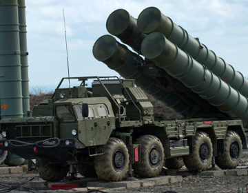 Washington n'exclut pas de sanctionner l'Inde si elle acquiert le S-400 russe