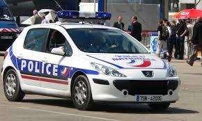 """Vers un """"continuum de sécurité"""" : le rapport parlementaire qui propose l'armement obligatoire des policiers municipaux"""