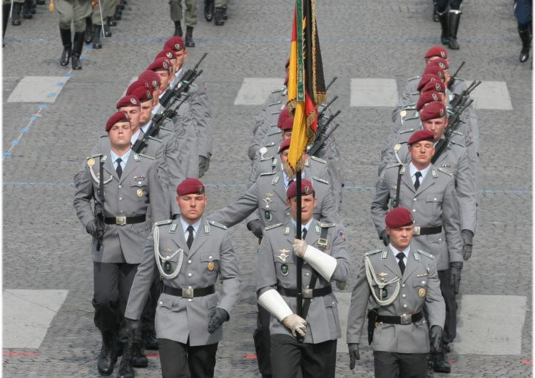 Allemagne : confirmation du licenciement d'un soldat qui refusait de serrer la main aux femmes