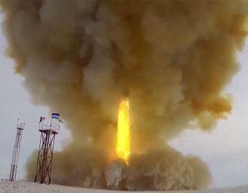Démonstration des missiles du complexe hypersonique «Avangard» auprès d'experts américains